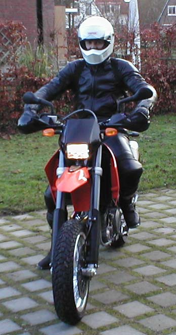 KTM 660 SMC Posé