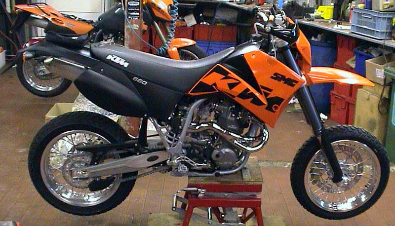 KTM 660 SMC Black rear