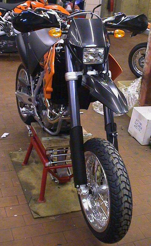 KTM 660 SMC Black front