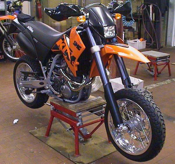 KTM 660 SMC Front